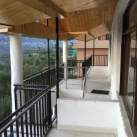 Hotel Pictures: Pink Bud Cottages, Manāli