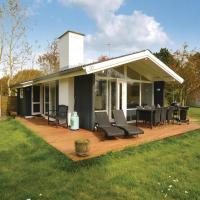 Hotel Pictures: Three-Bedroom Holiday Home in Rodby, Rødby