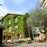 Hotel Pictures: Citotel Le Chalet Lyrique, Gradignan