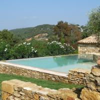 Family Home (16 Adults) with Private Pool