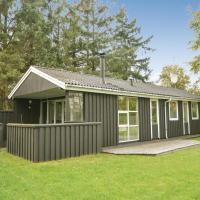 Hotellbilder: Three-Bedroom Holiday Home in Blavand, Blåvand