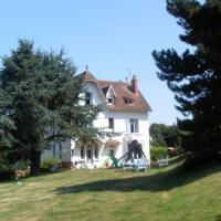 Hotel Pictures: Villa Castel Marie Louise, Néris-les-Bains