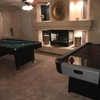Large 6BR Home Near The Strip and Airport