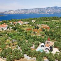 Фотографии отеля: Two-Bedroom Holiday Home in Stari Grad, Стари Град
