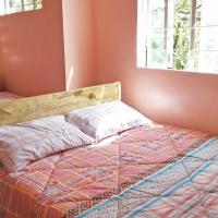 Hotelbilleder: Top Floor Overlooking Baguio City, Baguio