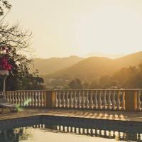 Hotel Pictures: Morada Recanto das Flores, Governador Portela