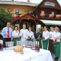 Hotel Pictures: Bioalm Wassermann Wirt, Sommereben