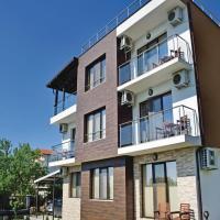Fotos de l'hotel: Six-Bedroom Holiday Home in Varna, Varna
