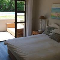 Hotellbilder: Beautiful summer Family Home, Plettenberg Bay
