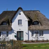 Hotel Pictures: Deichhof Wohnungen, Dunsum