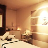 Hotel Pictures: Mercure Manchester Norton Grange Hotel & Spa, Rochdale