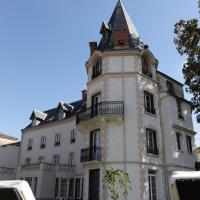 Hotel Pictures: Château Les 4 Saisons, Saint-Cirgues-sur-Couze