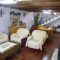 Three-Bedroom House (6 Adults)