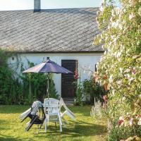 Hotellbilder: Two-Bedroom Holiday Home in Ystad, Ystad