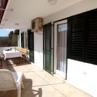 Hotel Pictures: Apartment Vinisce 11856a, Marina