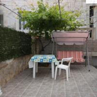 ホテル写真: Apartment Mali Losinj 7943b, マリ・ロシニュ