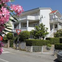 Hotellikuvia: Apartment Selce 2392a, Selce