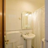 Budget Single Room with Private External Bathroom