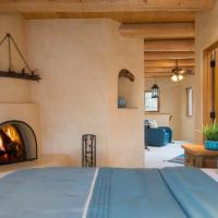 Hotel Pictures: Puerta Azul Home, Santa Fe
