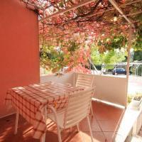 酒店图片: Apartment Mlini 8579b, 米利尼