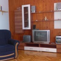 Fotografie hotelů: Apartment Smrika 12055a, Šmrika