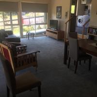 Zdjęcia hotelu: Eight Lawrence Garden Apartment, Healesville