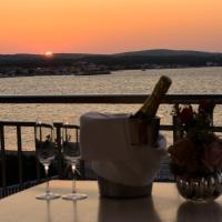 Hotel Pictures: Sunset Deluxe Villa, Vir