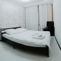 Hotelbilleder: 2кв Апартаменты на Депутатской 78/1, Tyumen