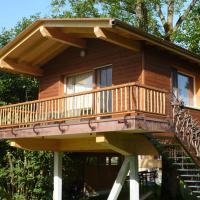 Hotel Pictures: Wurzelbaumhaus, Neuenkirch