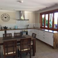 Hotelbilleder: Modern Country Apartment with pool access, Hervey Bay