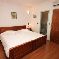Hotel Pictures: Twin Room Rabac 3016g, Rabac