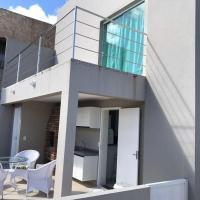 Hotel Pictures: Casa com Varandas a 300m do mar !, Barra de São Miguel