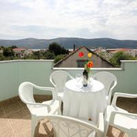 Hotel Pictures: Apartment Poljica 10010a, Marina