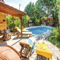 Fotos do Hotel: Three-Bedroom Holiday Home in Miliou Paphos, Miliou