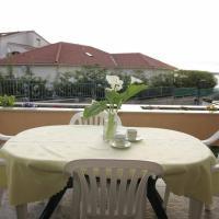 酒店图片: Apartment Brodarica 4221a, 布罗达里卡