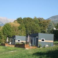 Hotel Pictures: Camping-Hotel de Plein Air Les 2 Bois, Baratier