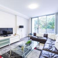 Foto Hotel: Modern Large Family Home + Parking, Hornsby
