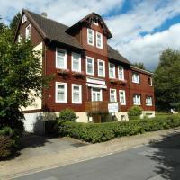 Hotelbilleder: Harzhaus-am-Brunnen-Wohnung-2, Altenau
