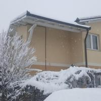 Hotel Pictures: Holiday Home Mermina, Bojnik