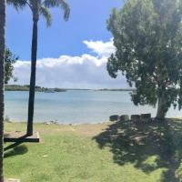 Foto Hotel: The Moby Waterfront Residence, 3 bedroom River View, Yamba