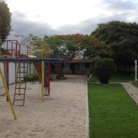 Hotel Pictures: HR Chales Pousada, Itapemirim