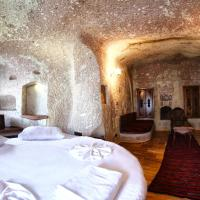 Deluxe Cave Suite