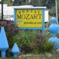 Hotel Pictures: Hostal y Cabañas Mozart, Puerto Montt