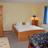 Hotelbilleder: gro_zuegige Ferienwohnung mit Kamin, Puddemin