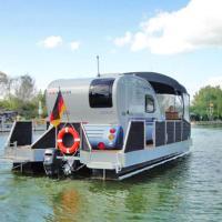 Hotel Pictures: Hausboot _Wassercamper_ SCHW 930, Verchen