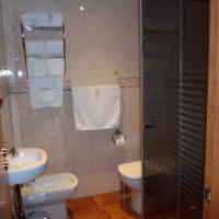One-Bedroom Apartment (3 Adults)- Second Floor