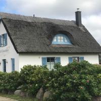 Hotel Pictures: Ferienhaus Insel Ruegen Ostsee Ree, Glowe