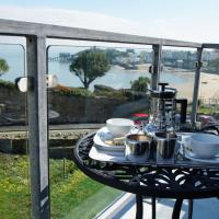Hotel Pictures: Tenby Harbour View, Tenby
