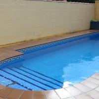 Hotelbilder: Chalet Popeye con piscina, Chiclana de la Frontera