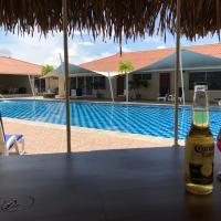 Фотографии отеля: Studio Unit in Beautiful Resort, Эль-Манготе